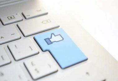 Facebook y Contexto